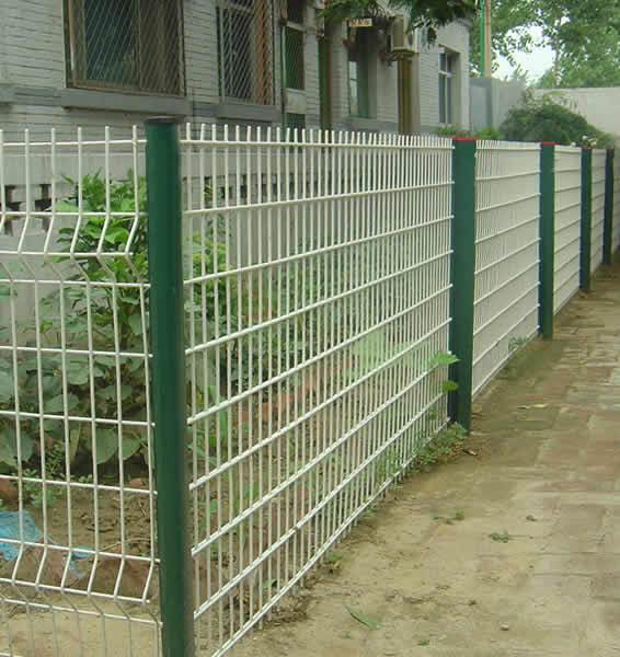Round Post With Welded Perimeter Fence Used For Garden