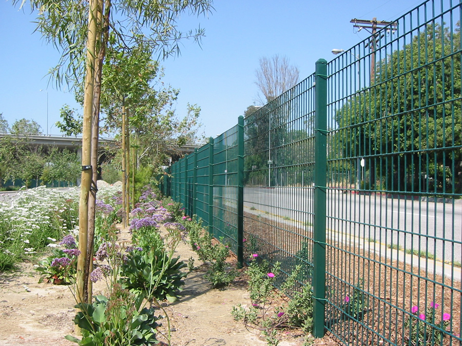 Perimeter Fence Used For Airport, Garden, Life-area or Building Cage