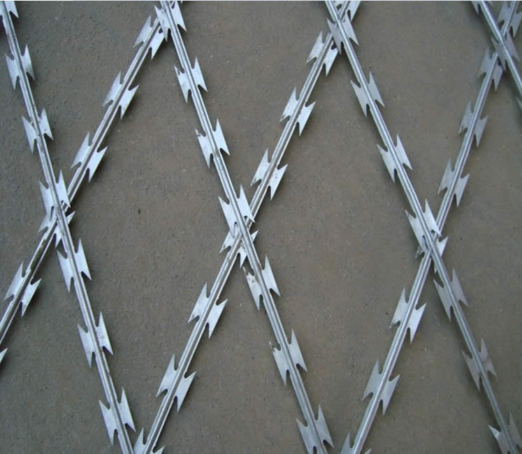 BTO-28 Welded Razor Wire